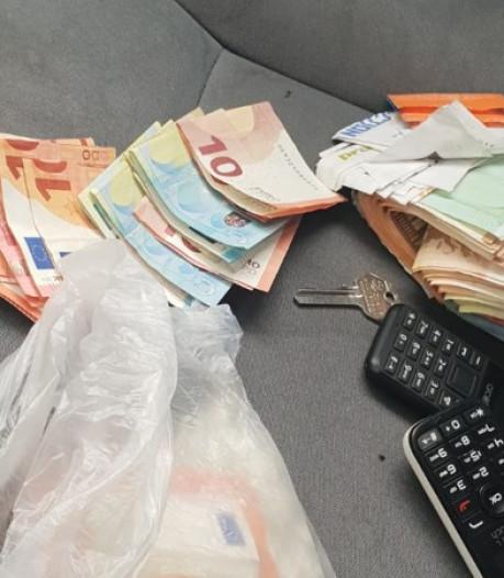 Zes aanhoudingen bij urenlange drugsactie in Eindhoven: cash en coke in beslag genomen