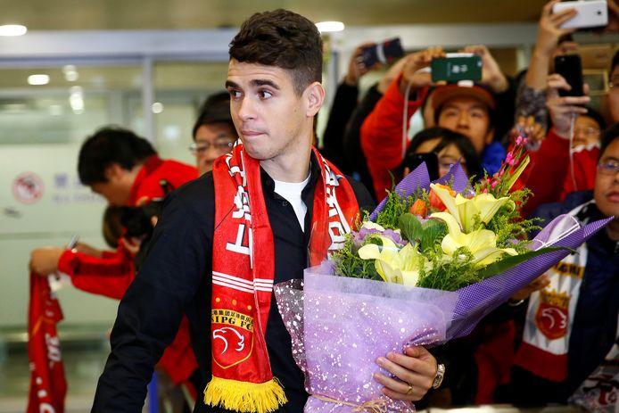 Oscar bij zijn aankomst in Shanghai.