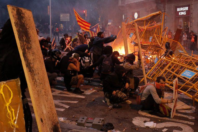 Tijdens rellen in Barcelona gisterenavond vielen 182 gewonden. Het was de meest roerige avond en nacht van deze week.