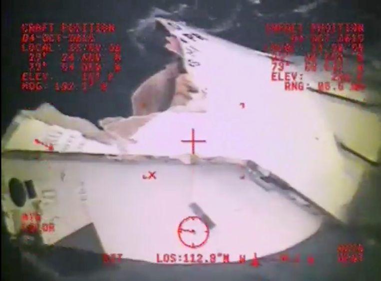 Maandag werd een reddingsboot van het vermiste schip aangetroffen.