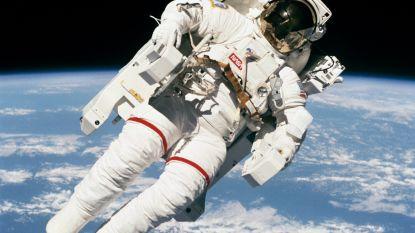 Waarom zijn ruimtepakken altijd wit?