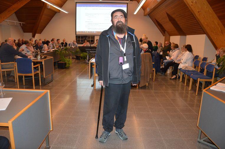 Inwoner Danny Geeroms uit Denderhoutem stelde een vraag tijdens het eerste vragenhalfuurtje in Haaltert.