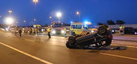 Traumahelikopter landt op A50 bij Valburg na ernstig ongeluk
