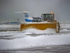 LIVE | Geen vliegverkeer Rotterdam The Hague Airport door sneeuw
