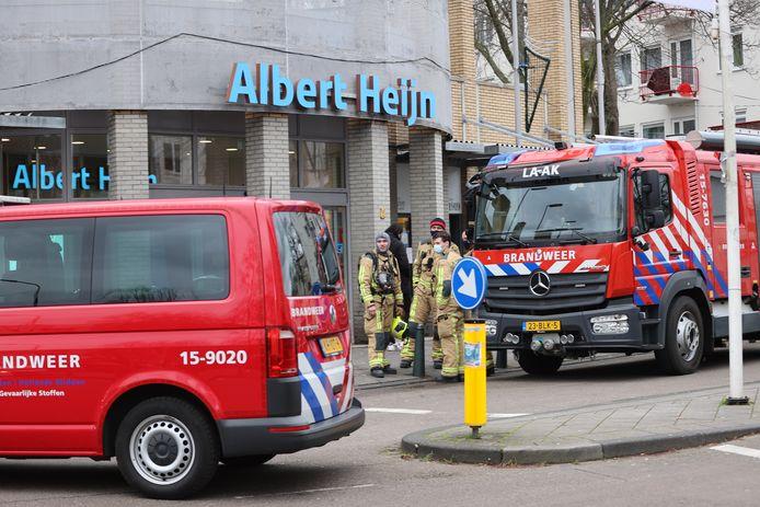 De Albert Heijn aan de Betje Wolffstraat is ontruimd.
