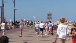 """Grote drukte aan zee tijdens pinksterweekend: """"Mensen houden zich niet aan de regels"""""""