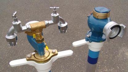 Breuk aan waterleiding zet 15 huizen zonder water