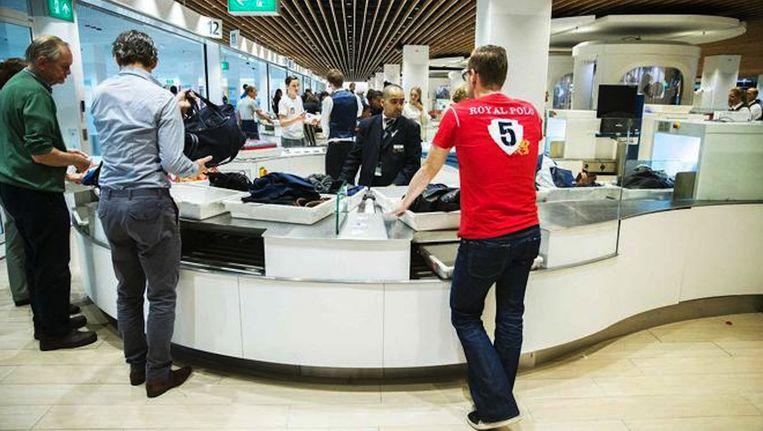 De bond roept het luchthavenbedrijf op zijn verantwoordelijkheid als opdrachtgever te nemen. Beeld anp