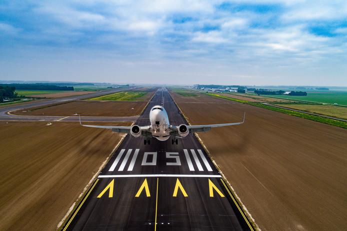 Fotobewerking van Lelystad Airport.