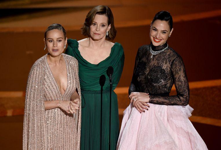 Brie Larson, Sigourney Weaver en Gal Gadot.