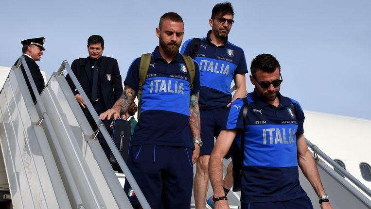 Daniele De Rossi, Gianluigi Buffon en Andrea Barzagli landen op Malta voor een korte stage