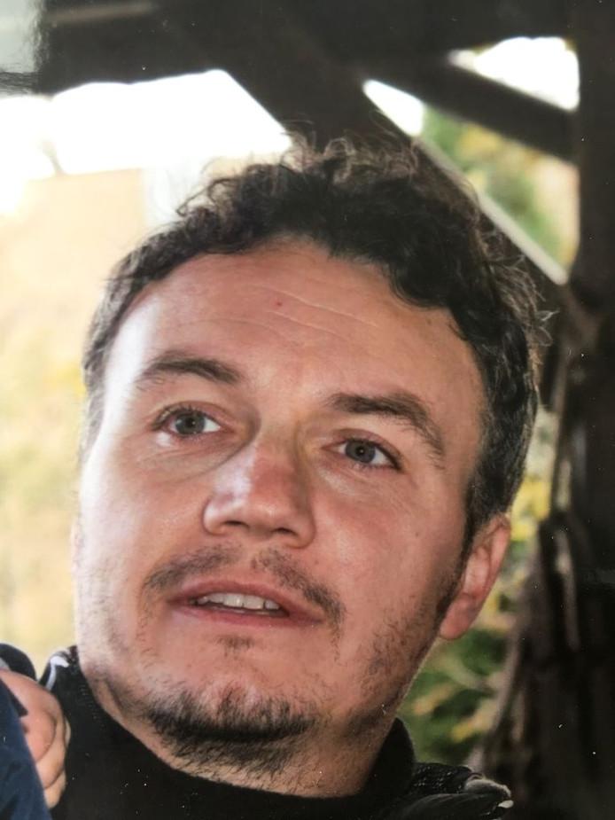 Nick Van Den Borre avait 39 ans et venait de se découvrir une passion pour la randonnée en montagne