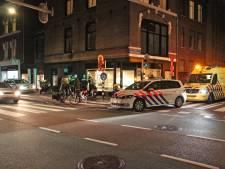 Brommerrijder met spoed naar ziekenhuis na aanrijding met fietser op Laan van Meerdervoort