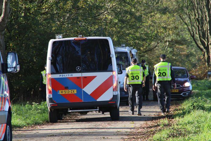 De politie hield een zoekactie bij Nieuwerbrug en Woerden langs de A12.