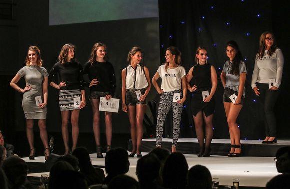 De kandidaten voor Miss Shopping Flanders in de Cortina in Wevelgem.