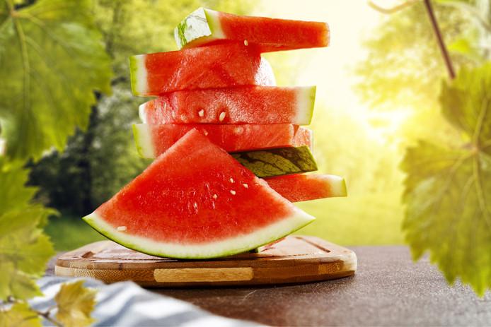 Watermeloen is het fruit met het hoogte gehalte aan water.
