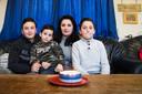 Suzana Davayan en haar drie kinderen.