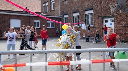 Leerlingen Heist-Goor vieren einde schooljaar op 'Bubbel Rock'