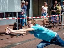 Lekkerkerk in de ban van kampioenschap eieren vangen: 'Het eigeel zit zelfs in mijn schoenen'
