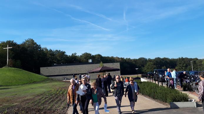 Ruim tweeduizend belangstellenden maakten van open dag gebruik om nieuwe crematorium in Oldenzaal te bezichtigen.