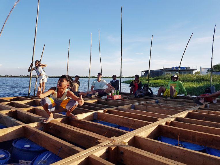 De drijvende woningen worden met lokale aannemers gemaakt en zijn voor het grootste deel opgetrokken uit hout.  Beeld Finch Floating Homes
