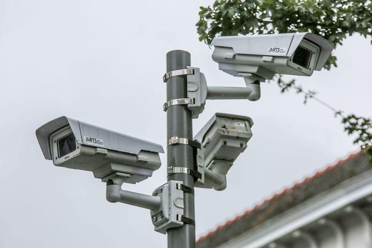 camera's registreerden de slag aan zijn vriend in de Kortrijkse binnenstad