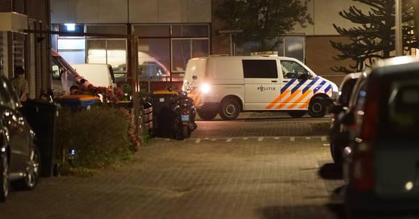Politie grijpt in bij drie coronafeesten in Deventer.
