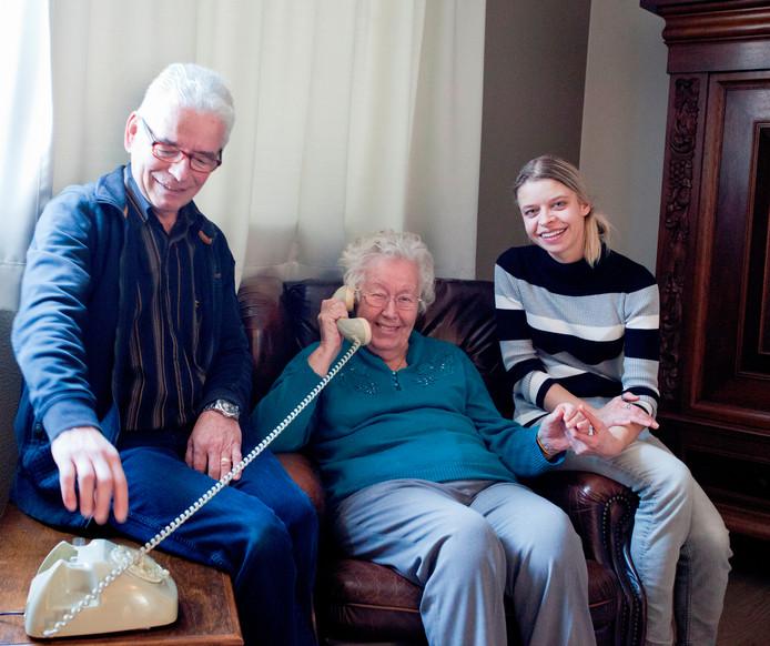 New Liedjes van vroeger op de wonderfoon bij dementie   Oosterhout #KA26