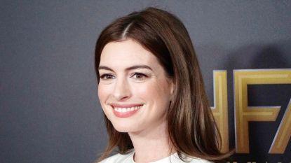 Anne Hathaway kijkt opvoedingstips af van prins William en Kate