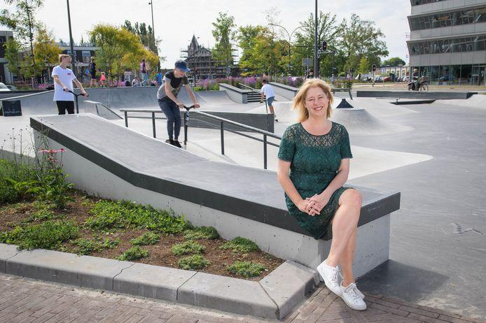 De skaters en steppers in het skatepark zorgen dat Hart van Zuid nooit stilvalt, weet ook Mariska ten Heuw.