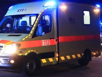 Twee personen gewond na ongeval met vrachtwagen