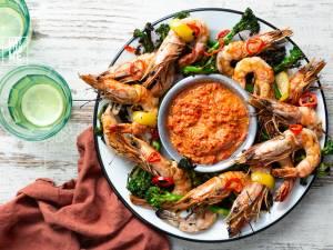 Wat Eten We Vandaag: Gegrilde gamba's met romescosaus