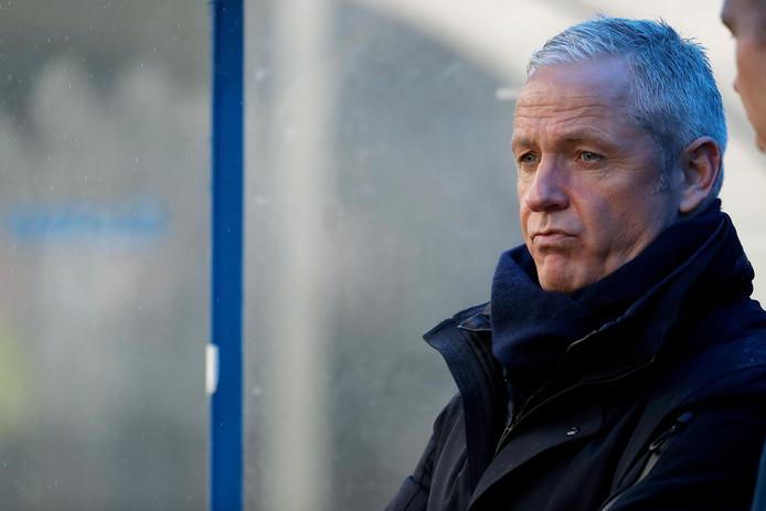 NEC-trainer Jack de Gier tijdens de wedstrijd tegen FC Eindhoven (3-2 verlies).