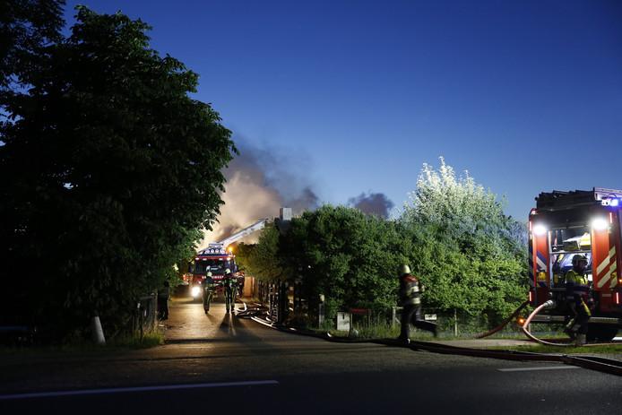 De brand bij de grote loods in Gassel.
