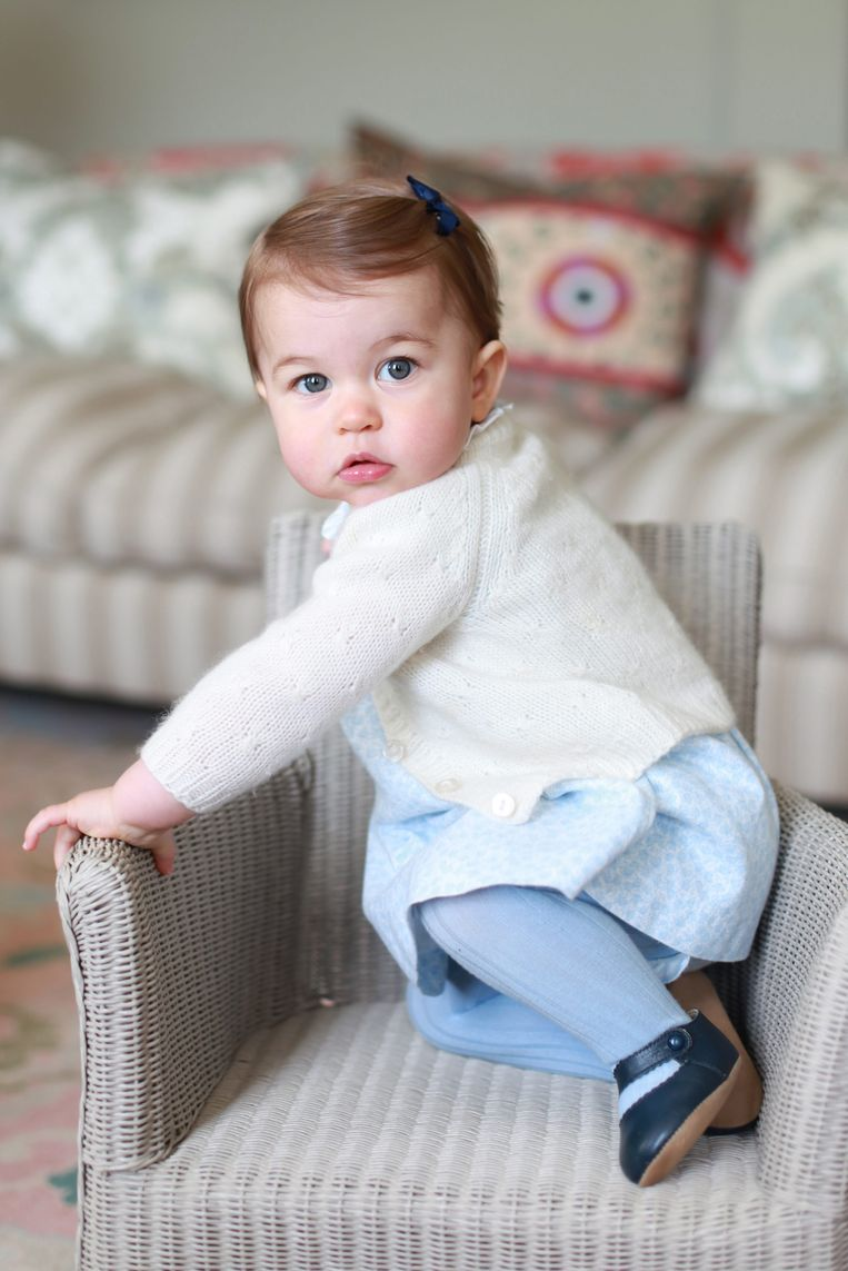 Prinses Charlotte mag morgen één kaarsje uitblazen