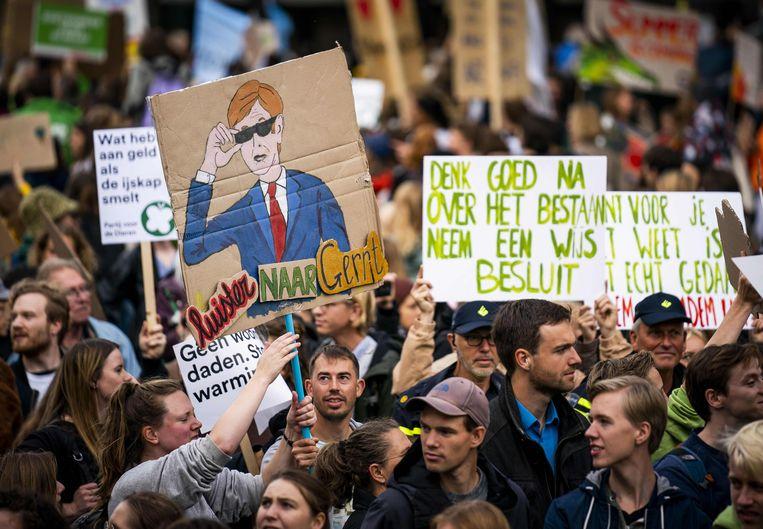 'What do we want? Climate justice!' scandeerden de betogers.  Beeld AFP