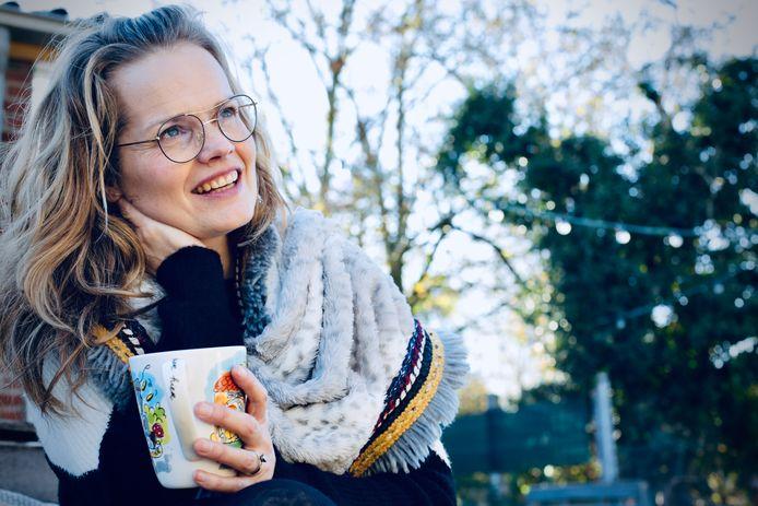 De Volkelse muziekdocente Ieke Rovers schreef 'Kerst met jou' om haar leerlingen te kunnen laten stralen.
