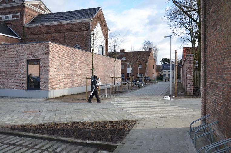 De nieuwe wandel- en fietsdoorgang verbindt de Heilig Hartlaan en de Kazernestraat.
