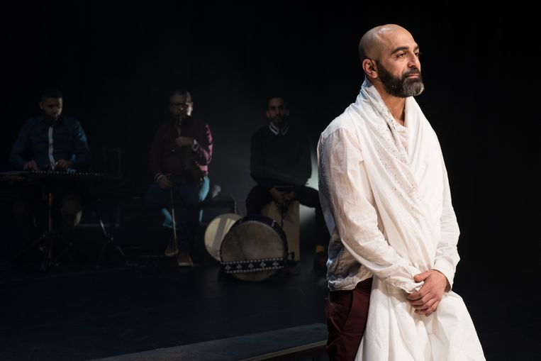 Mohammed Azaay als El Bachiri. Beeld Jesse Budel