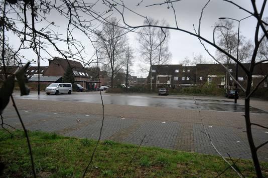 De eerste aanval vond plaats op een parkeerplaats aan de Smitsweg.