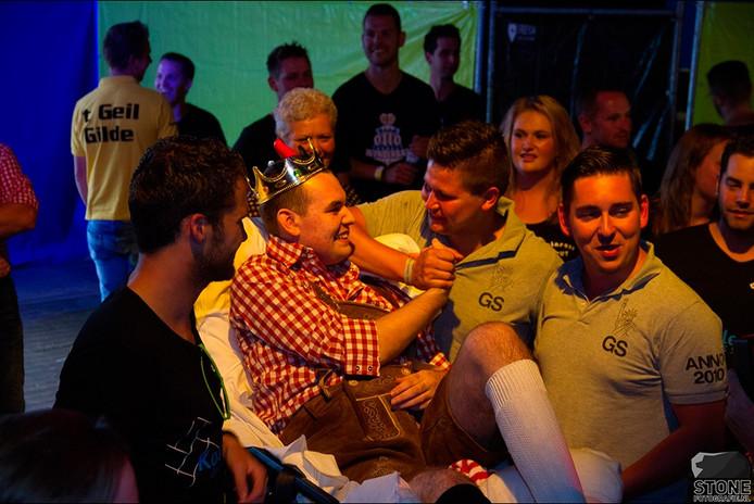Op 3 september regelen zijn vrienden via stichting WensAmbulance dat Remco naar de Heise Bierfesten wordt gebracht.