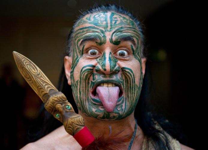 Vrouw Uit Nieuw Zeeland Onder Vuur Om Tatoeage Op Gezicht