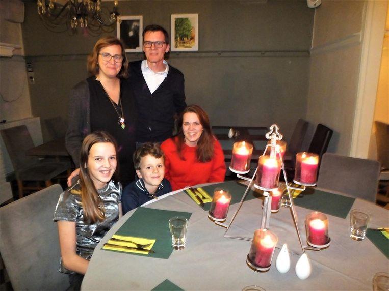 Jan en Marleen met Fien, Lowie en An in De Sterre.