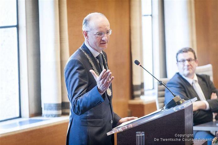 Burgemeester Onno van Veldhuizen
