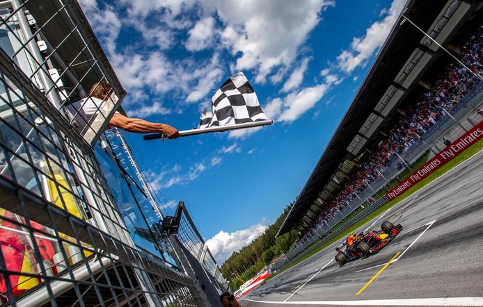 Max Verstappen wint in Oostenrijk.