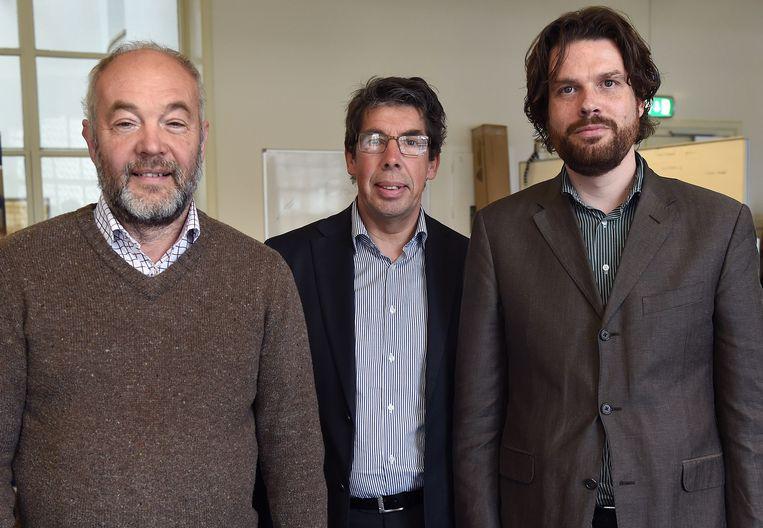 Bram Munnik (links) en Philip van Houtte met rechts hun mentor Sawan Bruins van Magic View Beeld null