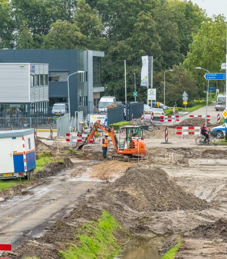 Bezoekers Chocoladefestival wegens afsluiting via N50 naar Hattem