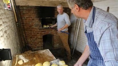 Oude bakoven in Tympelhoeve bakt de broodjes weer bruin