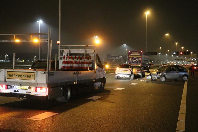 Wegwerkers zorgden voor de eerste hulp en een wegafzetting.