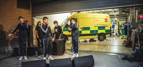 Gentse rappers van Uberdope treden op voor UZ-personeel